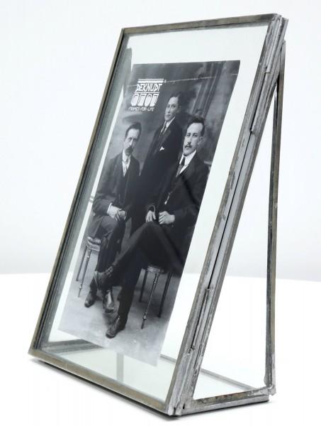 Fotorahmen Obsolet mit silberfarbiger Kante aus Metall