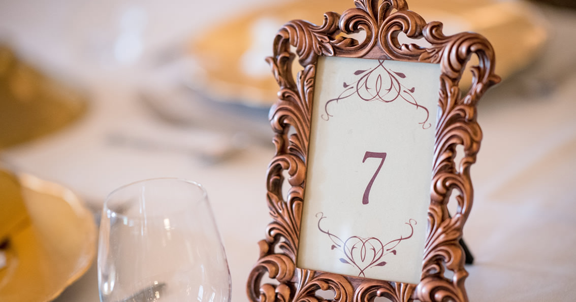 Tischdeko Zur Hochzeit Platzkarten Menukarten Im Bilderrahmen