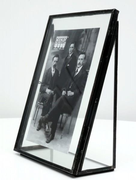 Fotorahmen Obsolet mit schwarzfarbiger Kante aus Metall